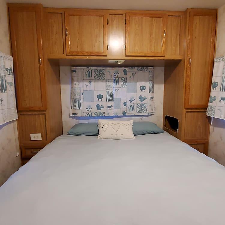 Queen island bed