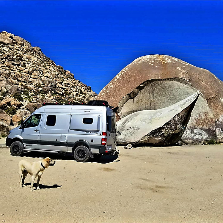 Performance off-road wheels and BF Goodrich® T/A® KO2 all-terrain tires. Camper is pet-friendly.