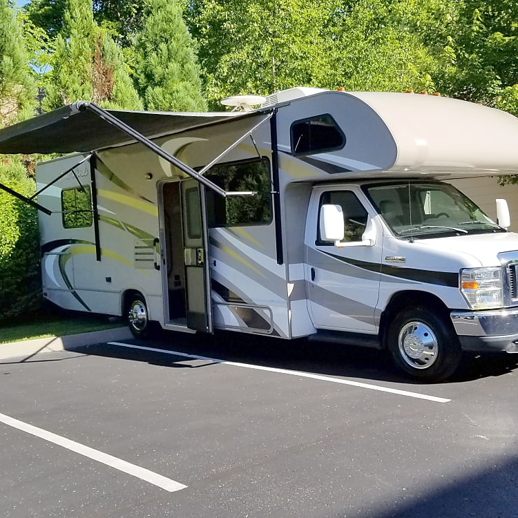 2016 Thor Four Winds 28A