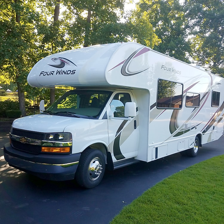 New 2020 Thor Four Winds with low mileage