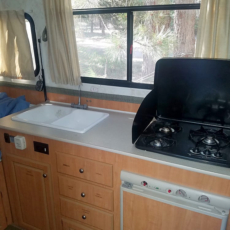 Double sink and 3 burner stove