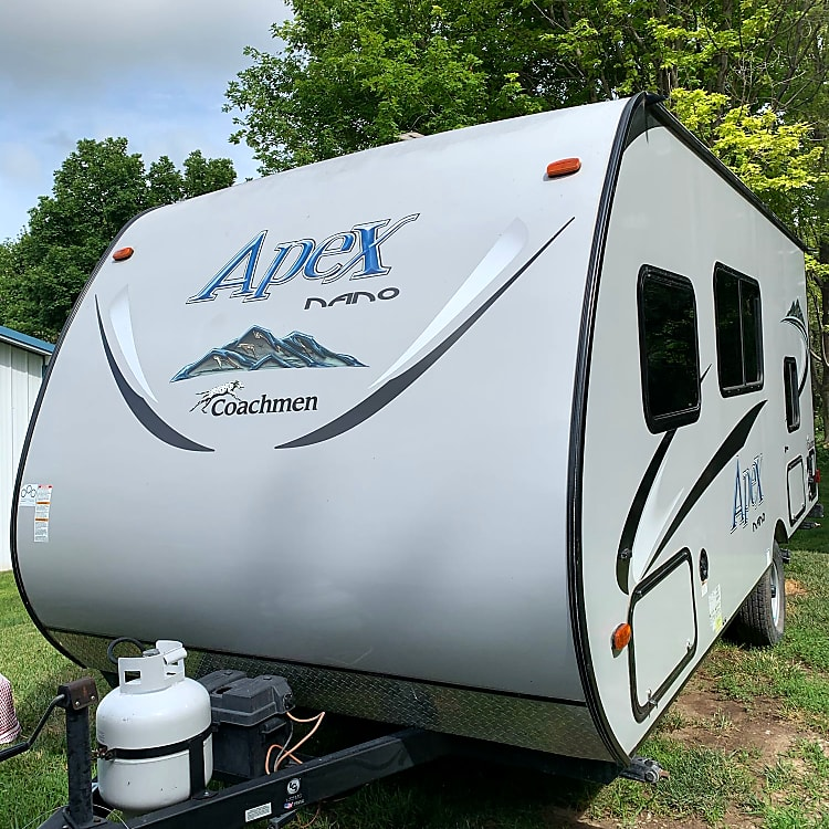 Apex Nano by Coachman BH 185 20 ft Camping Trailer