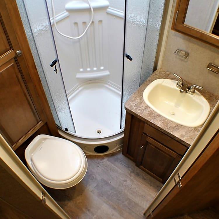 Full bathroom, standup corner shower