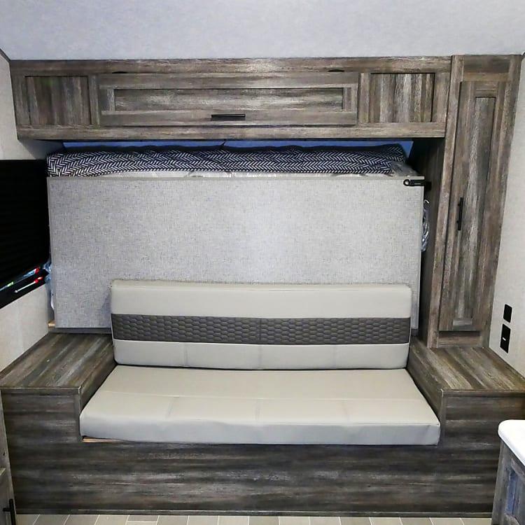 Couch/Murphy Queen bed