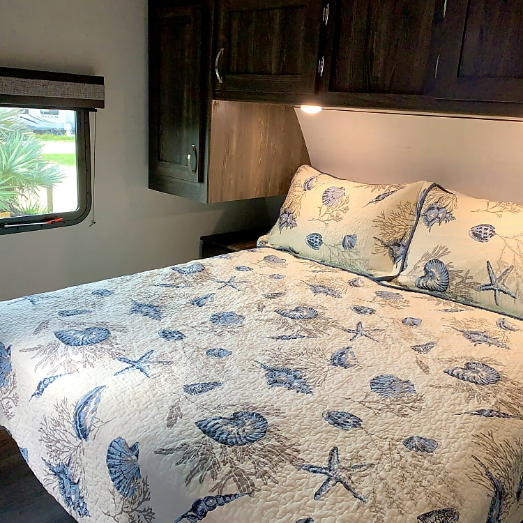 Cozy, private master suite with new Beautyrest mattress