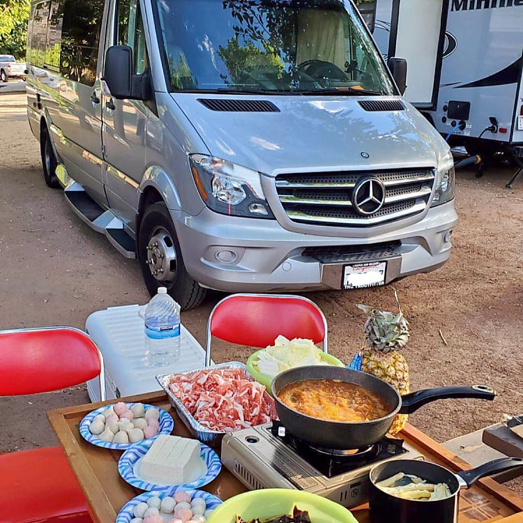Zion national park (Renter's photo , red chair & table & delicious food not included)