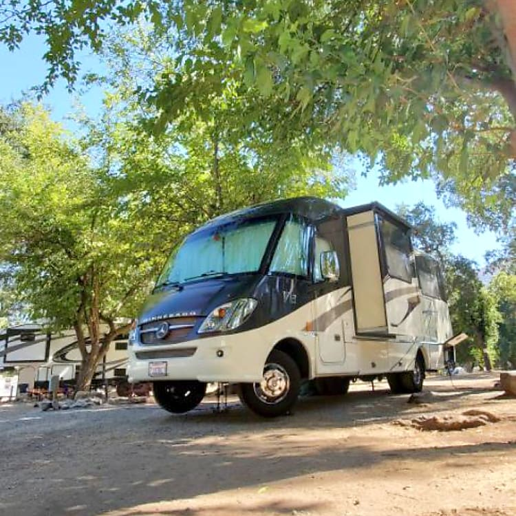 This RV is the perfect size to get in/out of any campground or parking spot. At just 25 feet you will be surprised how easy this RV handles.