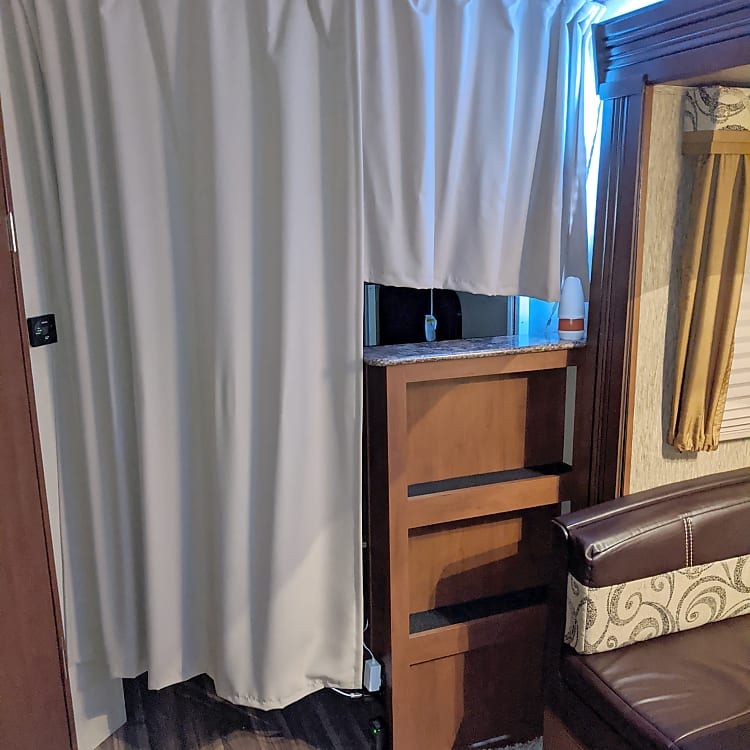 Bunks privacy curtain
