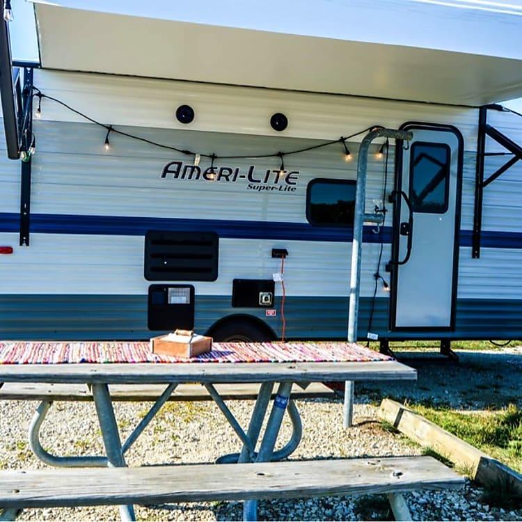 21 foot brand new Gulfstream Camper