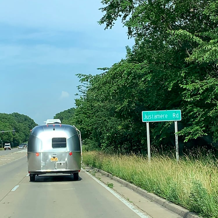 This 20 ft. Airstream is easy to tow or can be delivered!