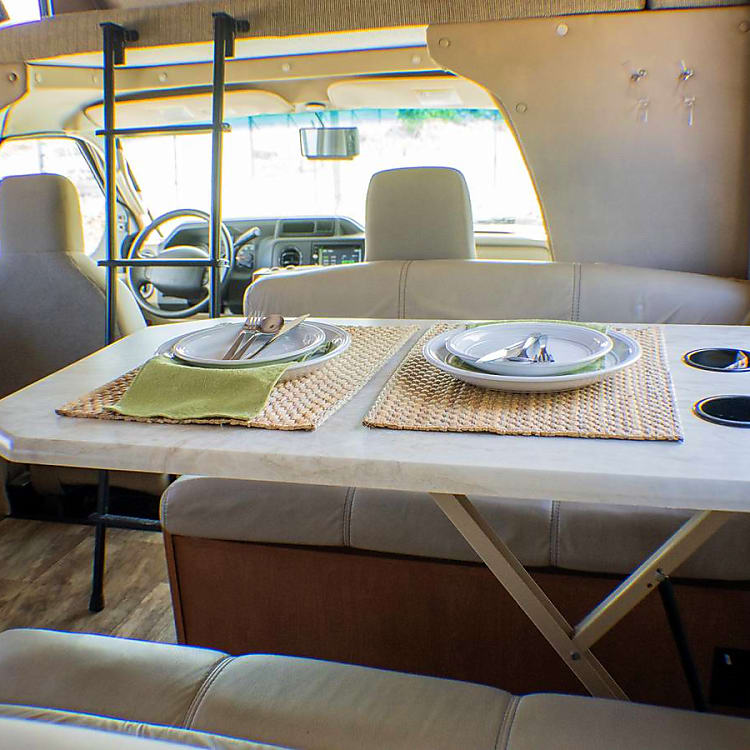 Dinette with Cup Holders