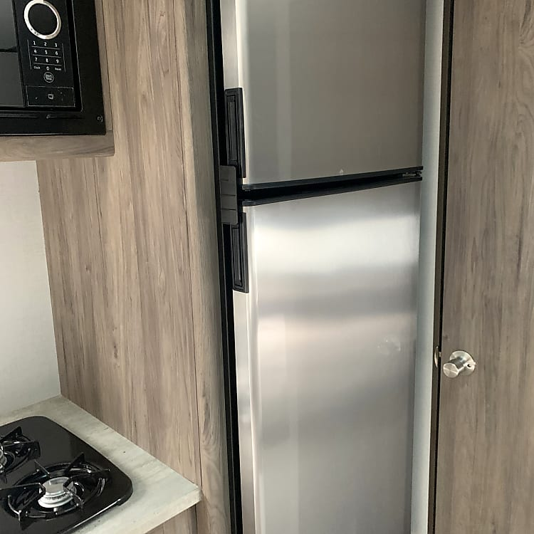 FULL FRIDGE that runs off battery while towing!