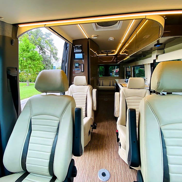 Mercedes-Benz Sprinter - Safe, Easy to Drive, Full Bathroom