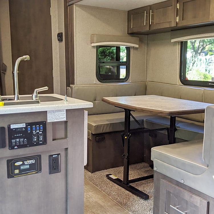 Spacious kitchen/dinning area