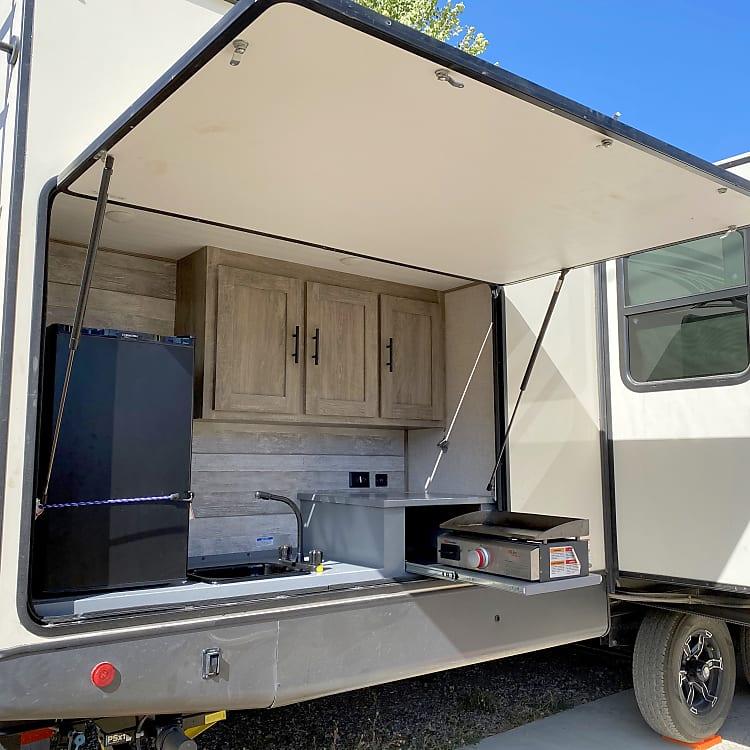 Full outdoor kitchen!
