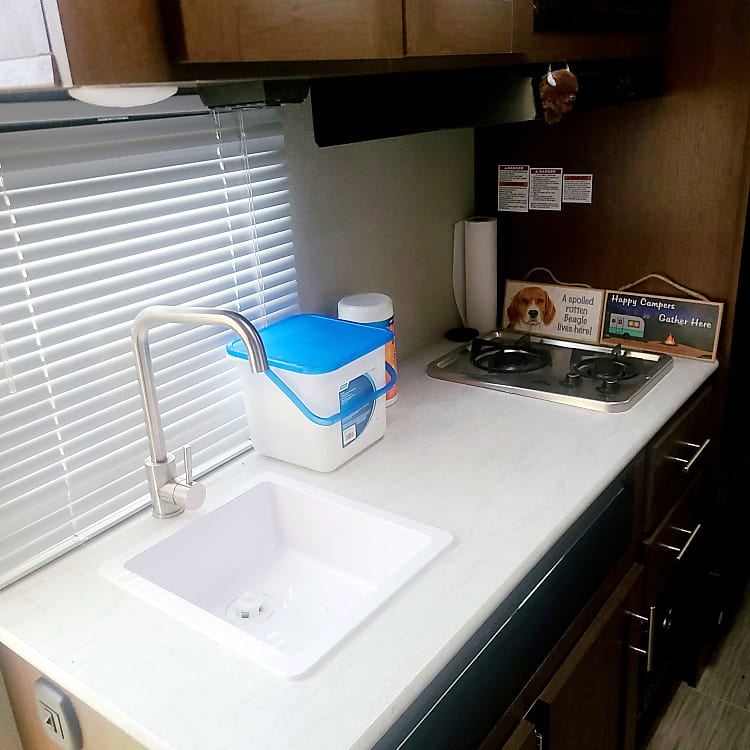 Kitchen stove fridge cabinets
