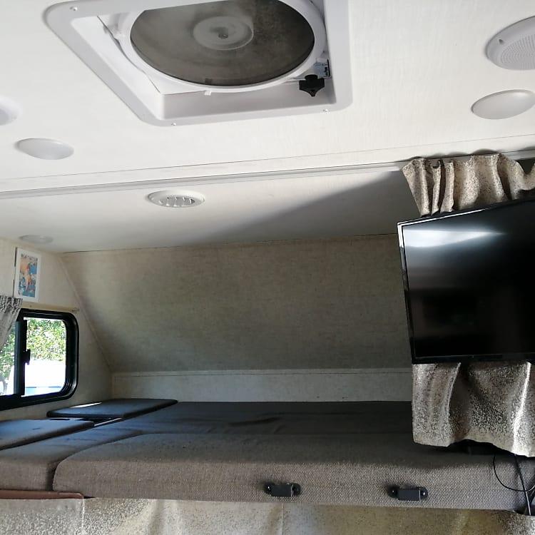 Cozy and comfortable! 440lb max capacity.