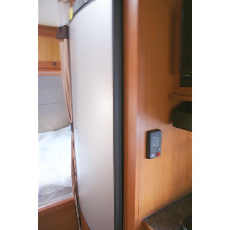 19DSR - Single Door Refrigerator