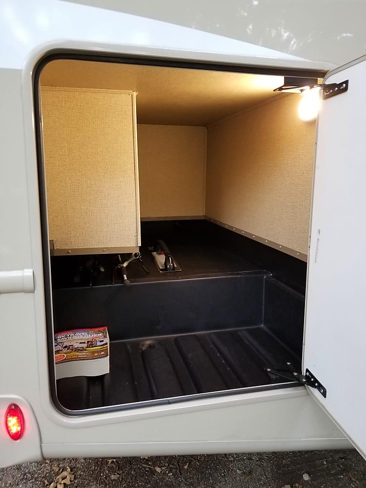 Soooooo muchhh storage. this one you can hide in.
