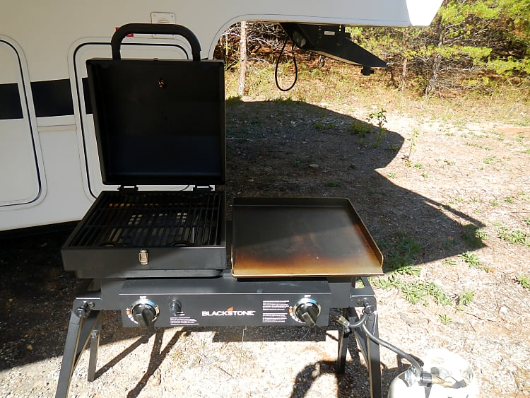 Propane grill/griddle combo
