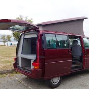 1992 VW Eurovan Westfalia (Red)