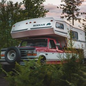 VAN - Camper Truck - 1993 Ford F250 + Kodiak 9.9'