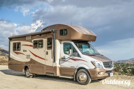 0Mercedes Winnebago Model V (red - black)  Thousand Oaks, CA