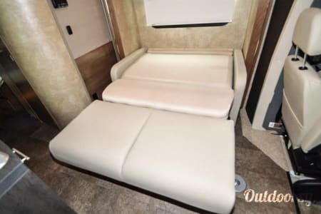 2016 Model V (Thousand Oaks) - Mercedes Winnebago View  Thousand Oaks, CA