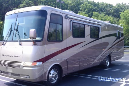 2002 38' Newmar Mountain Aire Class A  Acworth, GA