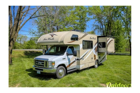 02018 Thor Motor Coach Four Winds 22B  Prospect, CT