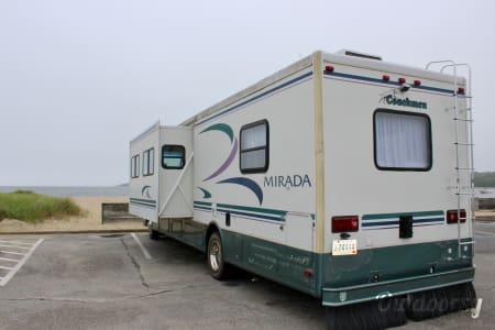 2000 Coachmen Mirada  Warwick, RI