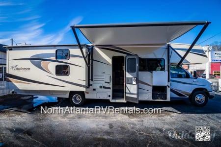 2018 Coachmen Freelander 32 BH  Acworth, Georgia