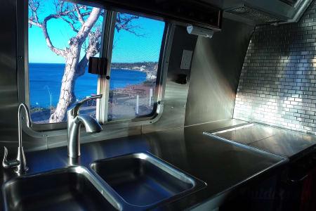Airstream 345 Motorhome  Bayside, Wisconsin