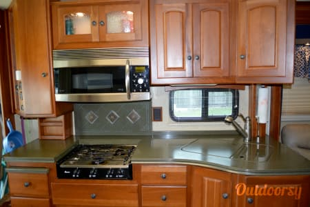 2007 Winnebago Vectra  Winter Haven, Florida