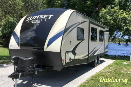 2018 Crossroads Sunset Trail Super Lite  Lake Worth, FL
