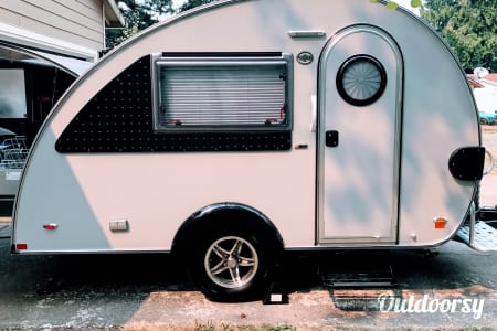 Mr. Camper!!  Easy to tow and has a restroom  (2017 Teardrop)  Sandy, Oregon