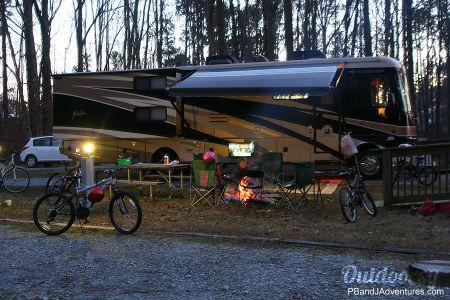 Fleetwood Fiesta 34B Bunkhouse  Calhoun, Georgia