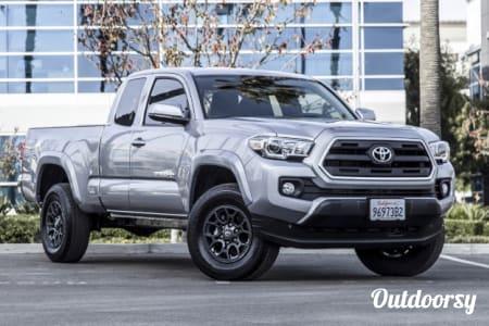 02017 Toyota  Tacoma  Inglewood, CA