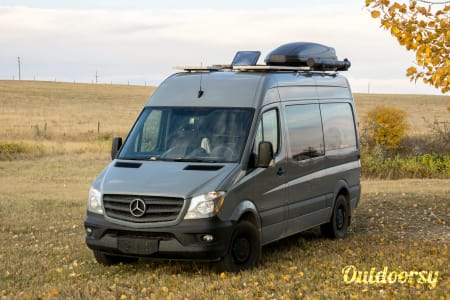 0Luxury Sprinter w/ Expansive Gear Garage  Calgary, AB