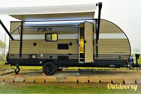"0The Wonder Twins 2 "" Light weight, easy tow with more space and convenience of Home away from Home!  Mansfield, TX"