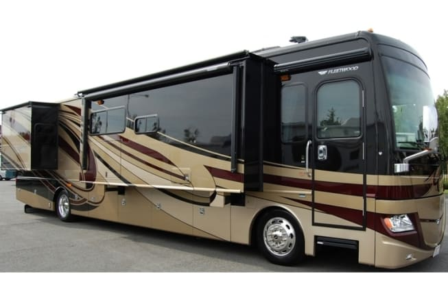 2013 Fleetwood Discovery 40x available for rent in Buford GA
