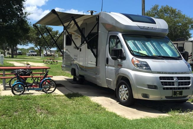 One of the best Class C RVs. Great aerodynamic style for this 19MPG gasoline RV.  It comes with an electric awning