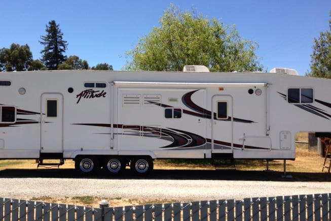 2008 eclipse attitude available for rent in Gilroy CA