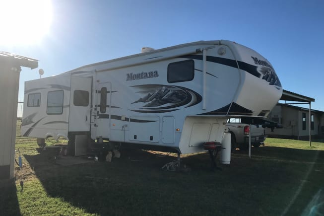 2011 Keystone Montana available for rent in DilleyD TX