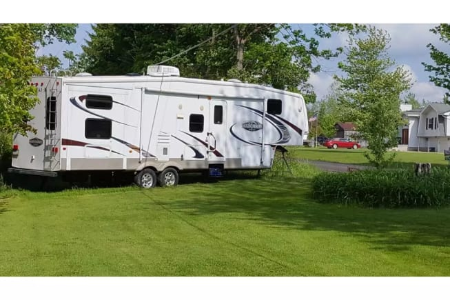 2008 Keystone Montana Mountaineer available for rent in Irwin PA