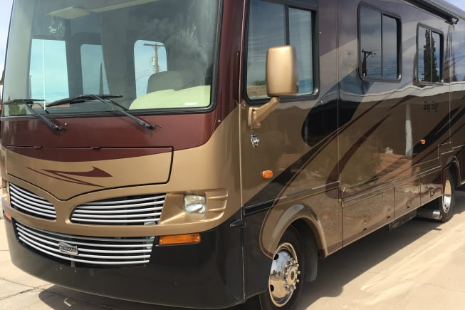 2011 Newmar Bay Star available for rent in Tucson AZ