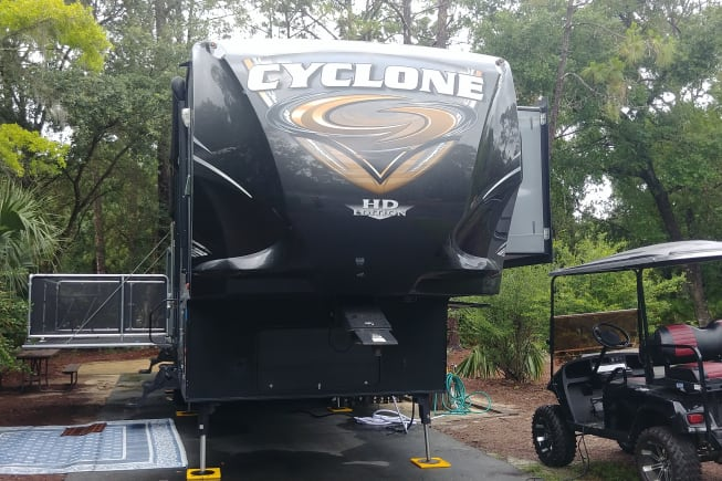2015 Heartland Cyclone available for rent in Lake Buena Vista FL