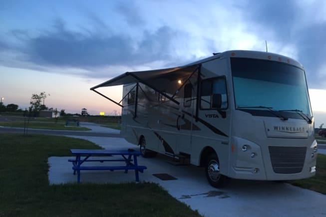 2015 Winnebago Vista available for rent in DALLAS TX