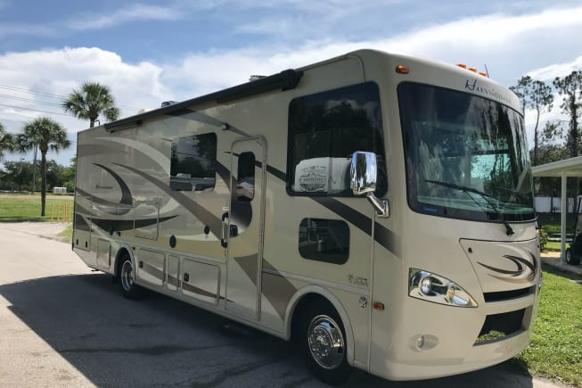 2016 Thor Motor Coach Hurricane available for rent in Trinity FL