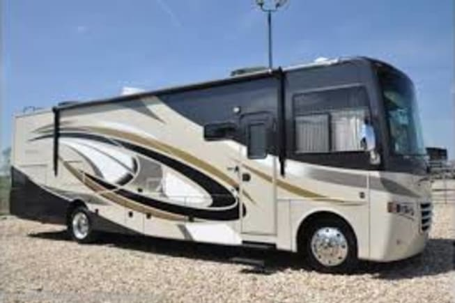 2014 Thor Motor Coach Miramar available for rent in York PA
